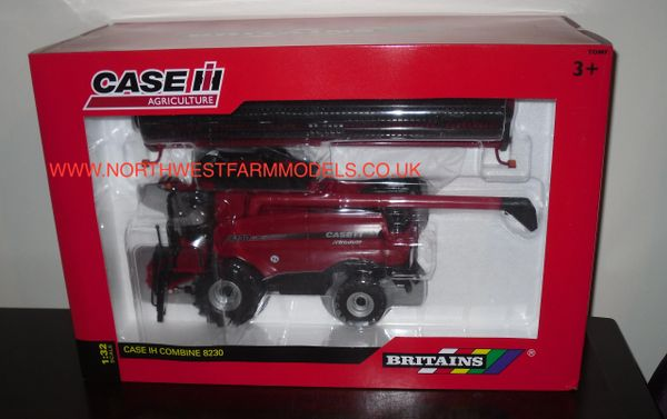 42884 BRITAINS FARM CASE IH 8230 COMBINE HARVESTER