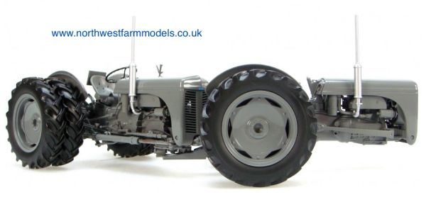 UH2700 1/16 Ferguson Dual Drive TED40 Tractor