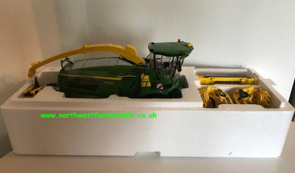 WIKING 1:32 SCALE JOHN DEEERE 8500i SELF PROPELLED FORAGE HARVESTER