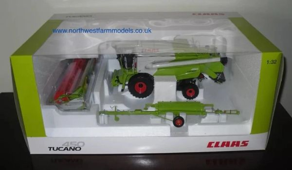 1/32 Universal Hobbies CLAAS Tucano 450 (Dealer Box) Limited Edition