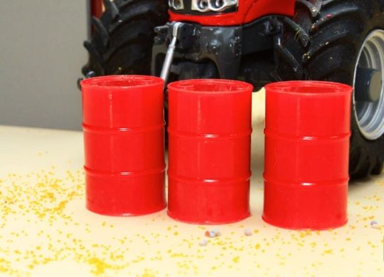 BRUSHWOOD TOYS RED BARRELS (x3) 1:32 SCALE FARM DIORAMA BT3041 **NEW**