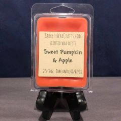 Sweet Pumpkin & Apple scented wax melt.