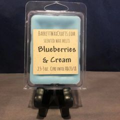 Blueberries & Cream scented wax melt.
