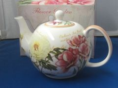Garden Flowers 6 cup teapot (gift boxed)