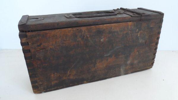 ww1 german mg08 wooden ammunition box rusty war relics uk