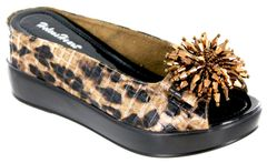HELEN'S HEART 8127-18 BROWN LEOPARD