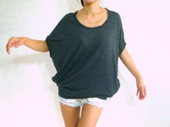 E13 Nori Women Baggy T Shirt Scoop Neck Oversized Top with Pockets in Gray