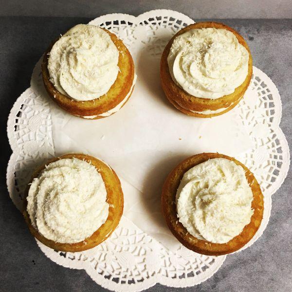 MINI VANILLA CAKES 1/2 DOZEN