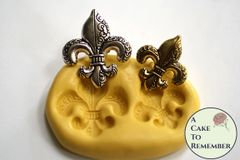 Small Fleur de Lis food safe silicone molds M5193