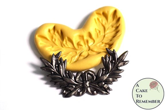 Small laurel garland with bow mold for cake decorating M5171