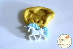 Tiny unicorn silicone mold for cake decorating. M5201