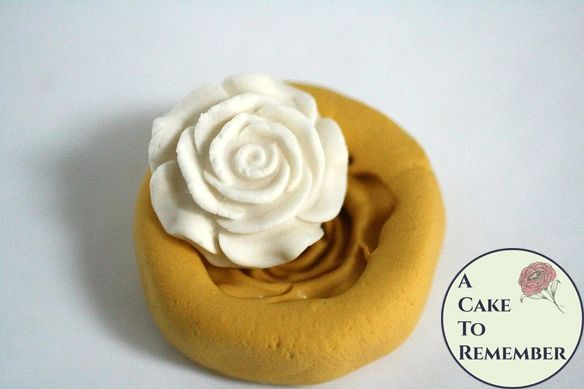 "Single rose silicone fondant or resin casting mold, about 1"" wide. M5123"