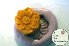 Silicone Flower button or medallion mold. M22