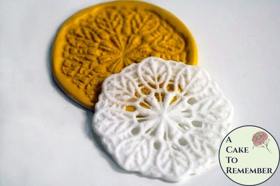 Round fondant lace silicone mold medallion M070