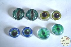 12 Edible eyes made from isomalt, sugar eyeballs