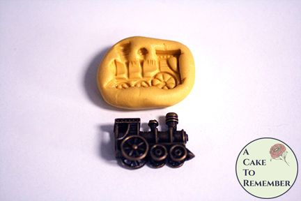 Little train mini mold for cupcake toppers or resin casting. M5233