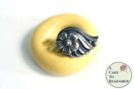 Little winged flower miniature food grade silicone rubber mold M5221