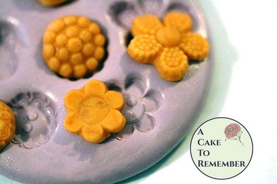 Multi cavity silicone flower mold M32