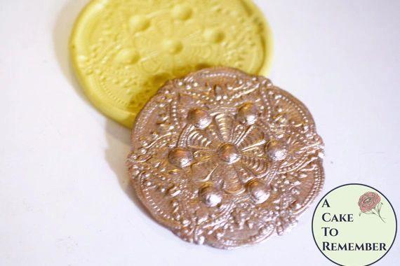 Round filigree medallion mold for fondant cake lace M11