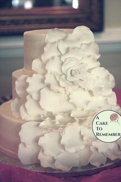 extra petals for the large gumpaste flower for wedding cakes diy