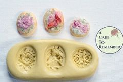 Floral cabochon silicone mold for soap embeds M047