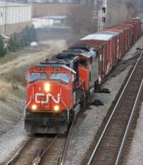Montreal, QC - Banff, AB (BY RAIL: 40' High-Cube Privately-Owned Intermodal Container)