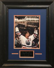 "Wayne Gretzky ""Oilers"" Holding up Stanley Cup Photo"