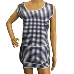 Tabards with large twin pockets and button thro front fastening, 100% Polyester for excellent wear and wash-ability, Offered in 6 pleasing Gingham pattern colours and 6 sizes.. DARK BLUE Size XOS 20-22
