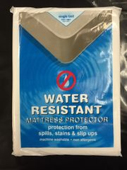 Water Resistant Mattress Protector, Double Bed Size 140cm x 190cm,