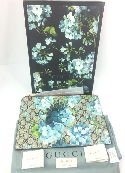 cb0bfccf1401 Gucci GG Supreme Bloom Zip Top Pouch/Clutch, #410807 | Elgie Chic ...