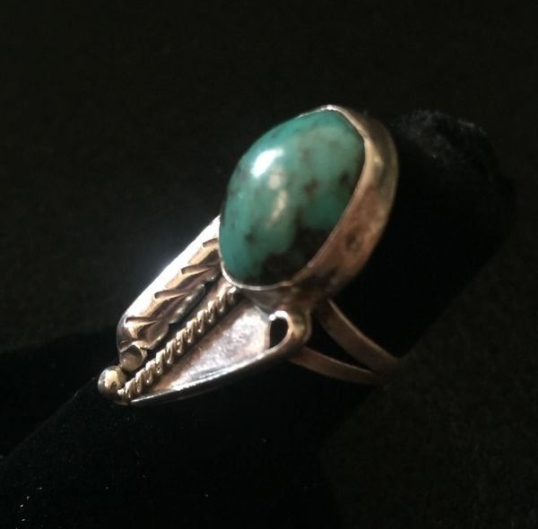 STERLING SILVER TURQUOISE LEAF RING
