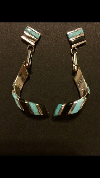Signed Zuni inlay turquoise & onxy dangle earrings.