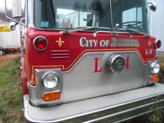 Mack Fire Engine 1985 - 85' Ladder