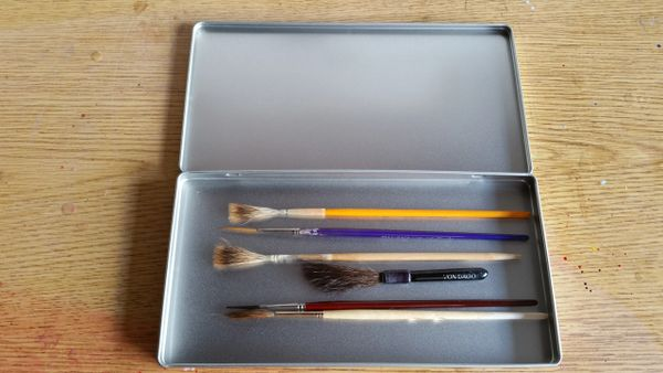 "Lettering Quill ""Seemless"" Metal Brush Box"