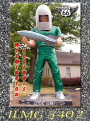 Route 66 fridge magnet featuring Gemini Giant in Wilmington, IL