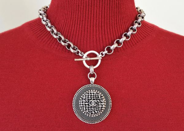 CLASSIC - upcycled Chanel 'Button' Necklace