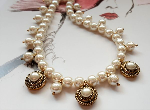 PEARL - Chanel Pearl Button Necklace