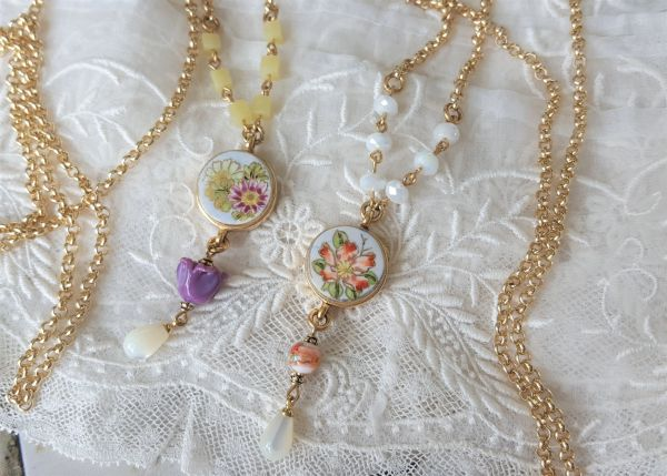 STELLA and STELLA - Porcelain Flower Necklace