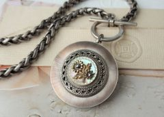 BLUSH - Mother of Pearl Button Necklace