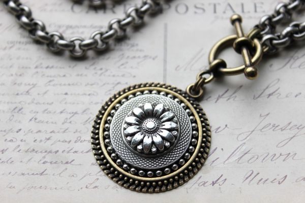 DAISY - Silver Sunflower Necklace
