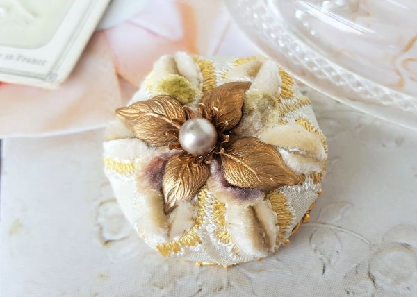 ALISA - Embroidered Textile Brooch