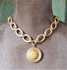 Chanel Button necklace, Chunky OVAL Chain