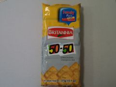 50-50 Crackers Family Pack Britannia 372 g