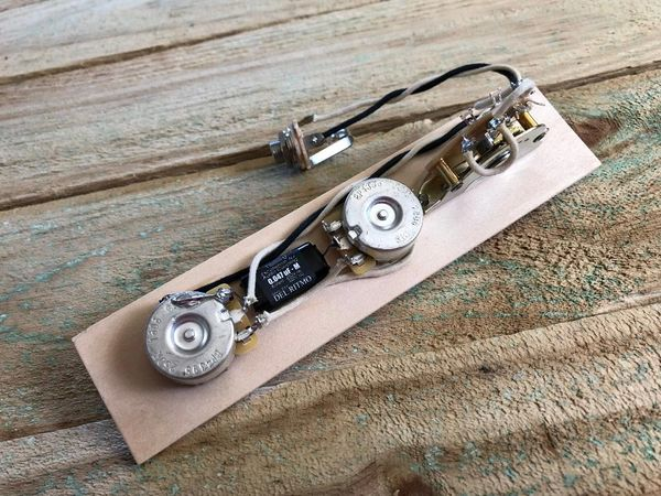 FENDER® Reverse Telecaster Wiring Harness CTS Pots - Oiled Paper Cap on tele mirrors, tele bass, tele body,