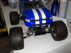 R/C HOBBIES Gas R/C CAR 1/10 SCALE