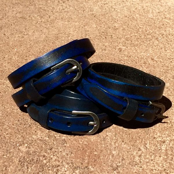 BLUE LEATHER 1 BUCKLE DOUBLE WRAP BRACELT CUFF