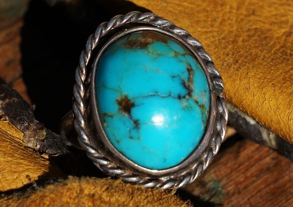 SOLD 1960's BISBEE TURQUOISE & SILVER RING