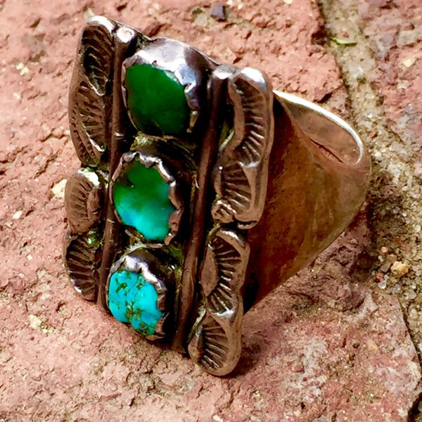 SOLD 1930s SUN STAMPED STOPLIGHT BLUE & GREEN TURQUOISE SILVER RING