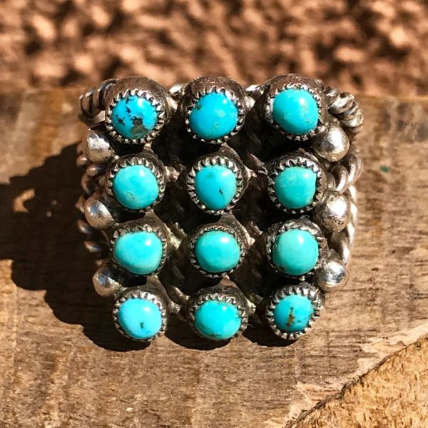 SOLD 1940s SILVER TWISTED WIRE 12 ROUND BLUE TURQUOISE STONE ZUNI CLUSTER PETIT POINT RING