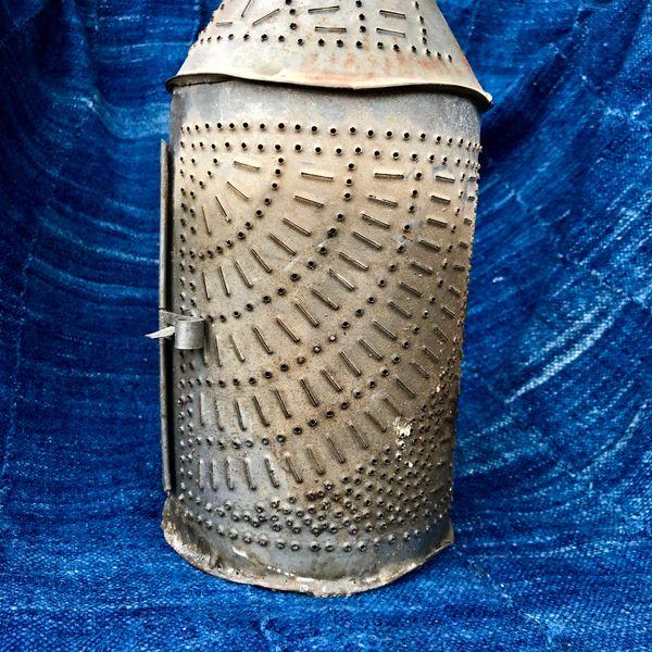 1700s REVOLUTIONARY WAR ERA AMERICAN PIERCED METAL TIN LANTERN
